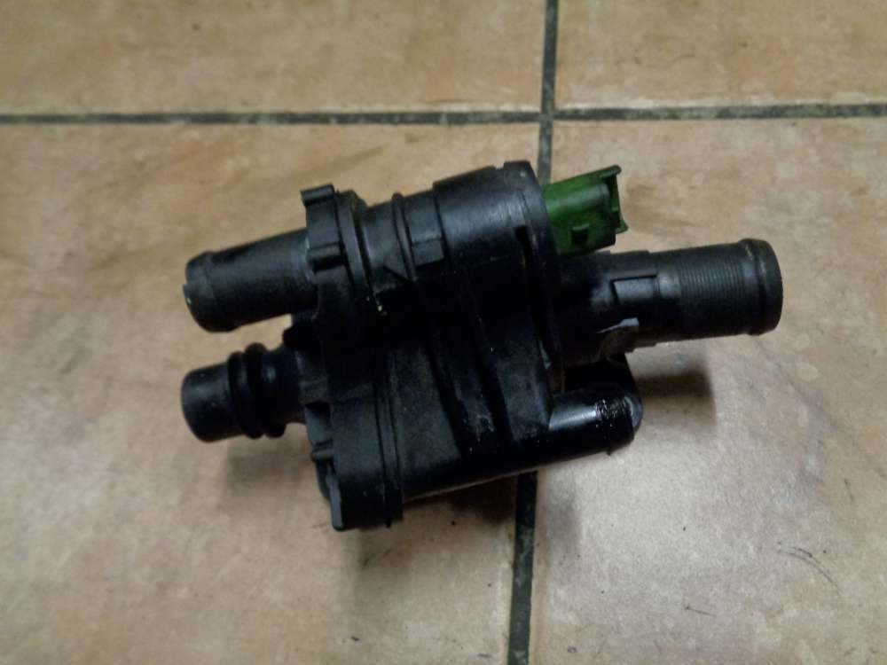 Ford Focus II Thermostat Thermostatgehäuse 9647767180
