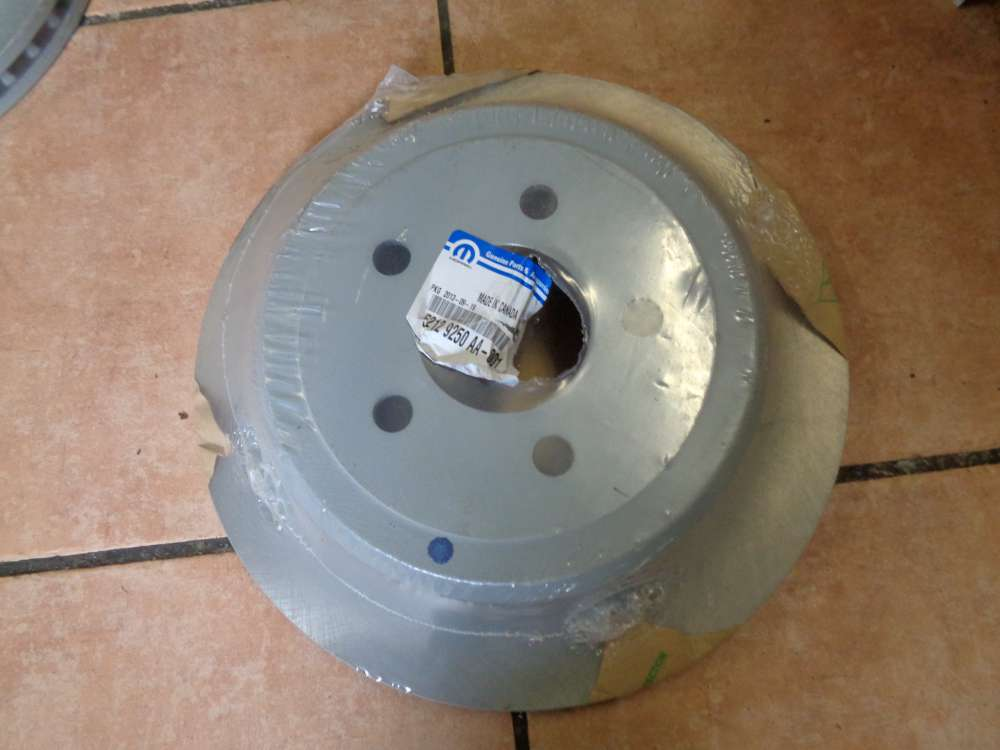 Original Bremsscheibe MOPAR  Vorderachse Hinten 52129250AA-001