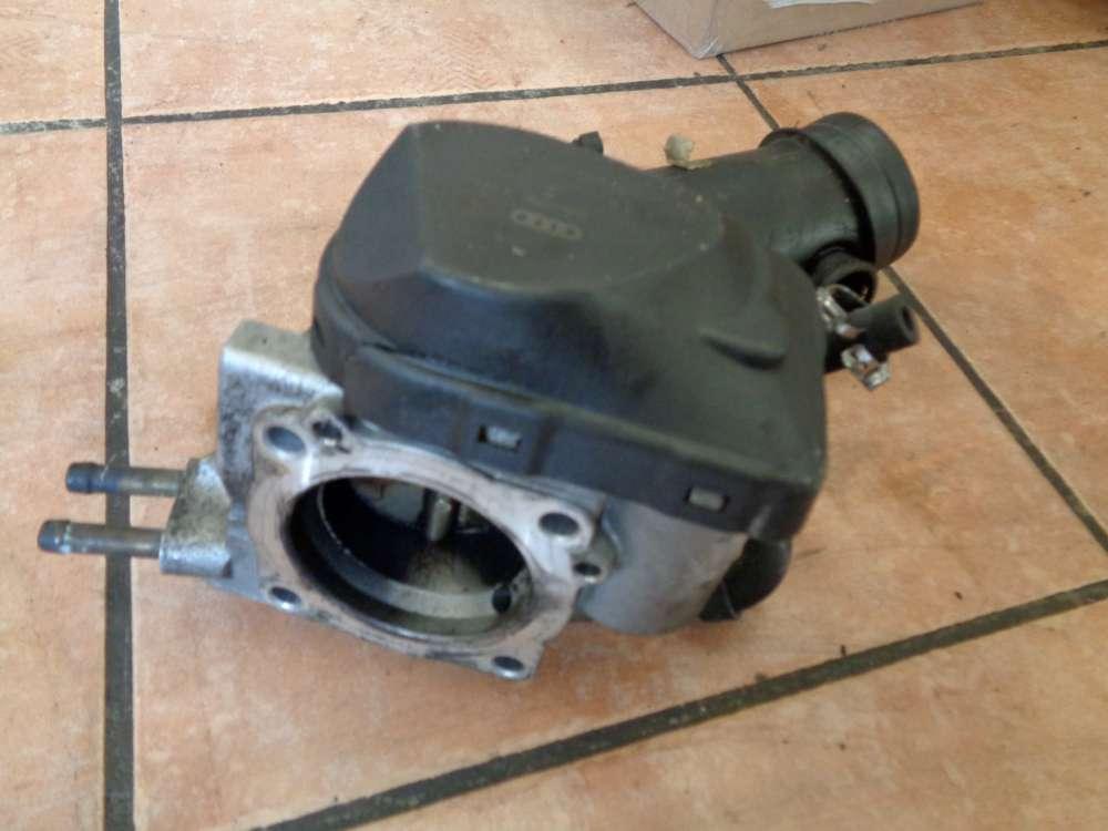 VW Polo 6N Drosselklappe VAG Ansaugschlauch 06B133354  06B133062F