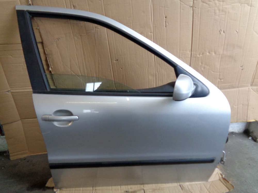 Seat Leon 1M Bj:2000 Tür Vorne Rechts Silber Farbcode: LS7N