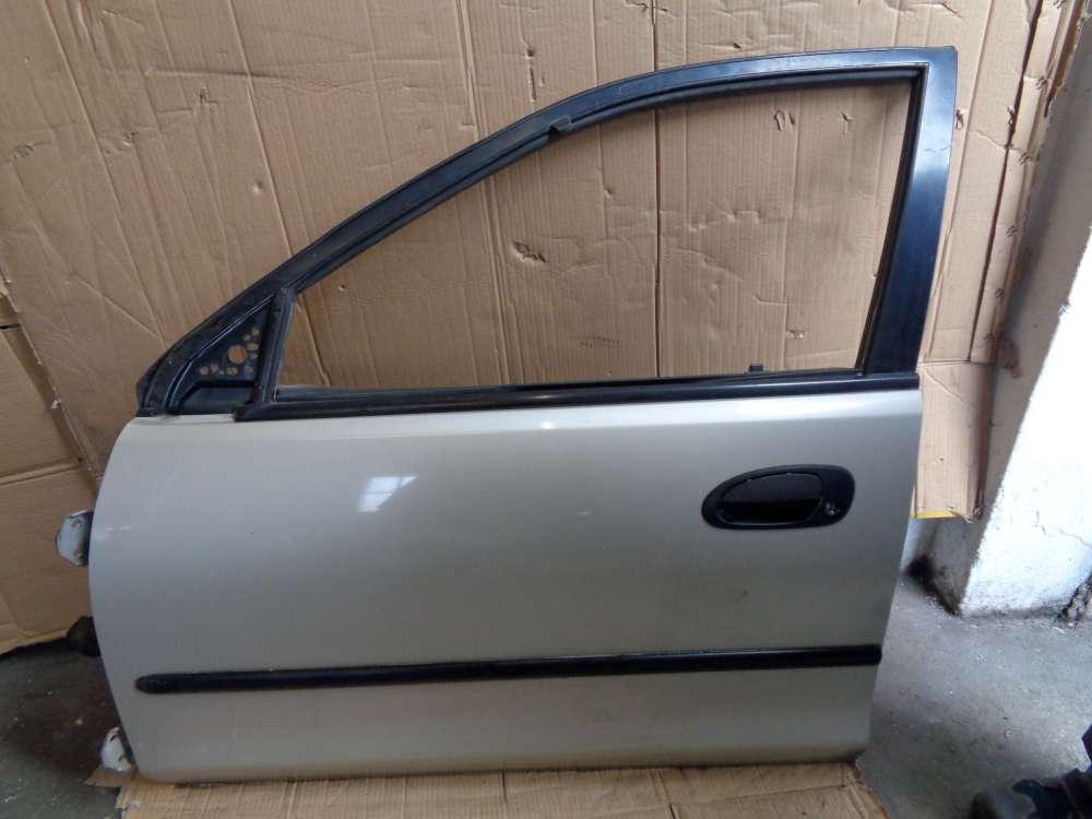 Mazda 323 BA Limousine ab: 1994-1998 Tür Vorne Links  Farbe Silber Farbcode 4F