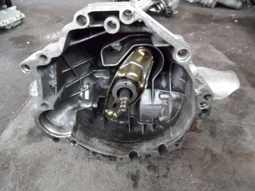 Audi A4 5V 2,4 Getriebe Schaltgetriebe DHY 5-Gang 012301211P