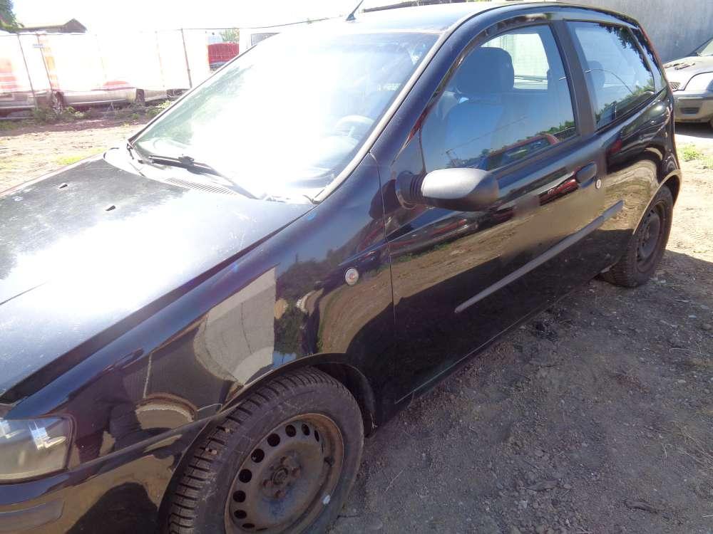 Fiat Punto 188 Bj:2001 3Türer Tür Vorne Links Schwarz Farbecod : 601
