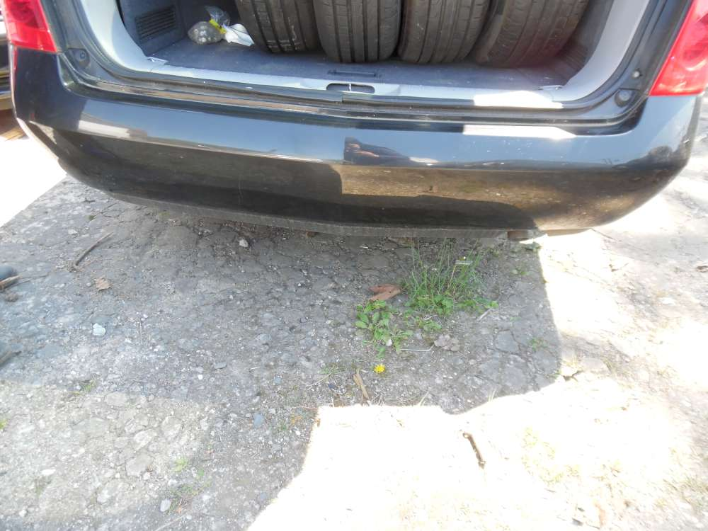 Nissan Primera P12 Kombi Bj:2003 Stoßstange Hinten Farbe : schwarz