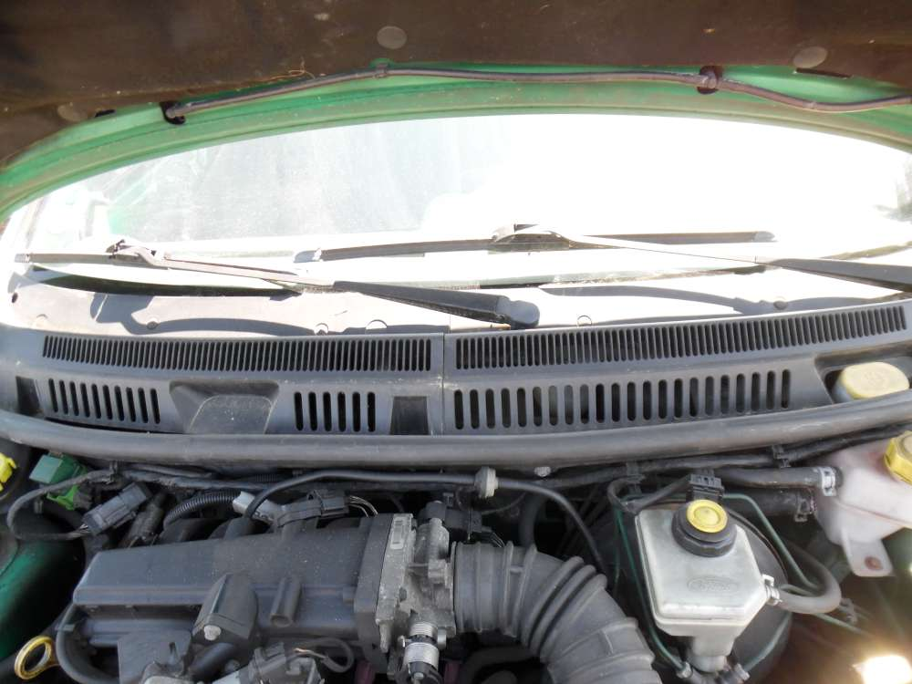 Ford Ka Bj:2000 3Türer Windlauf Abdeckung Wasserkasten vorn