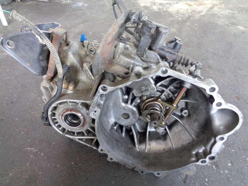 Hyundai Santa Fe SM 2,4 Bj 2001 Getriebe Schaltgetriebe Y010205