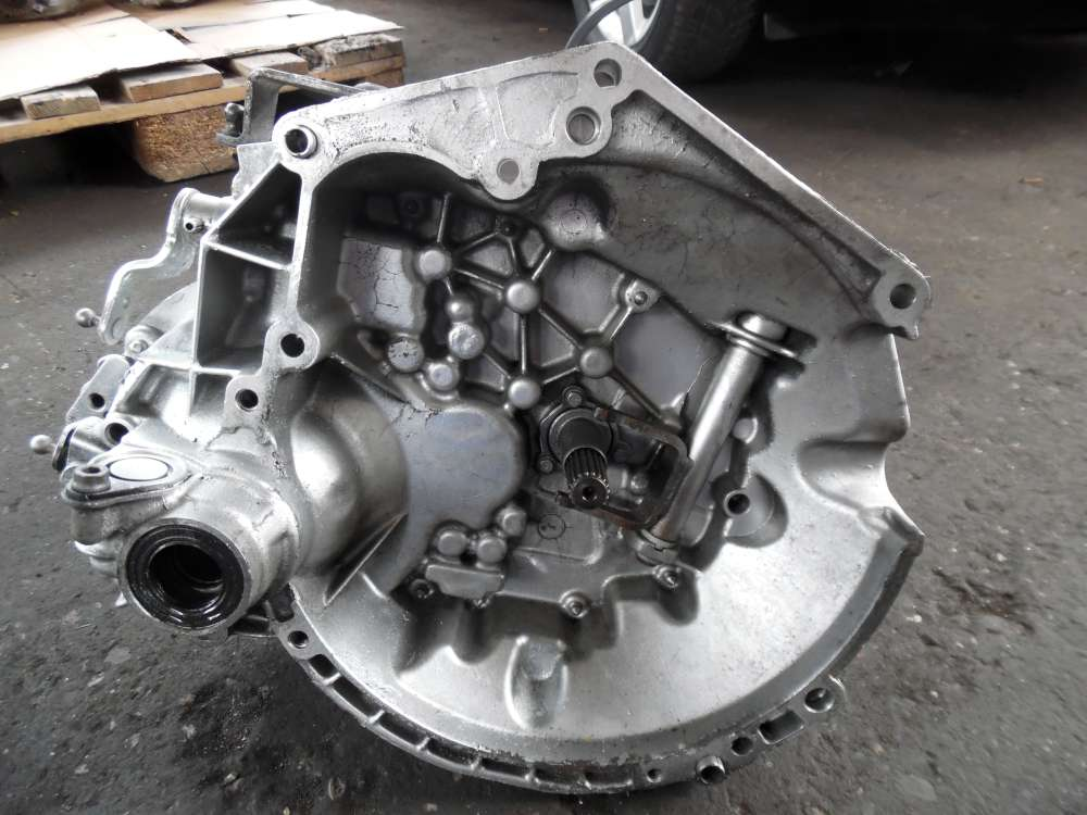 Peugeot 206 Schaltgetriebe Getriebe 9651708710