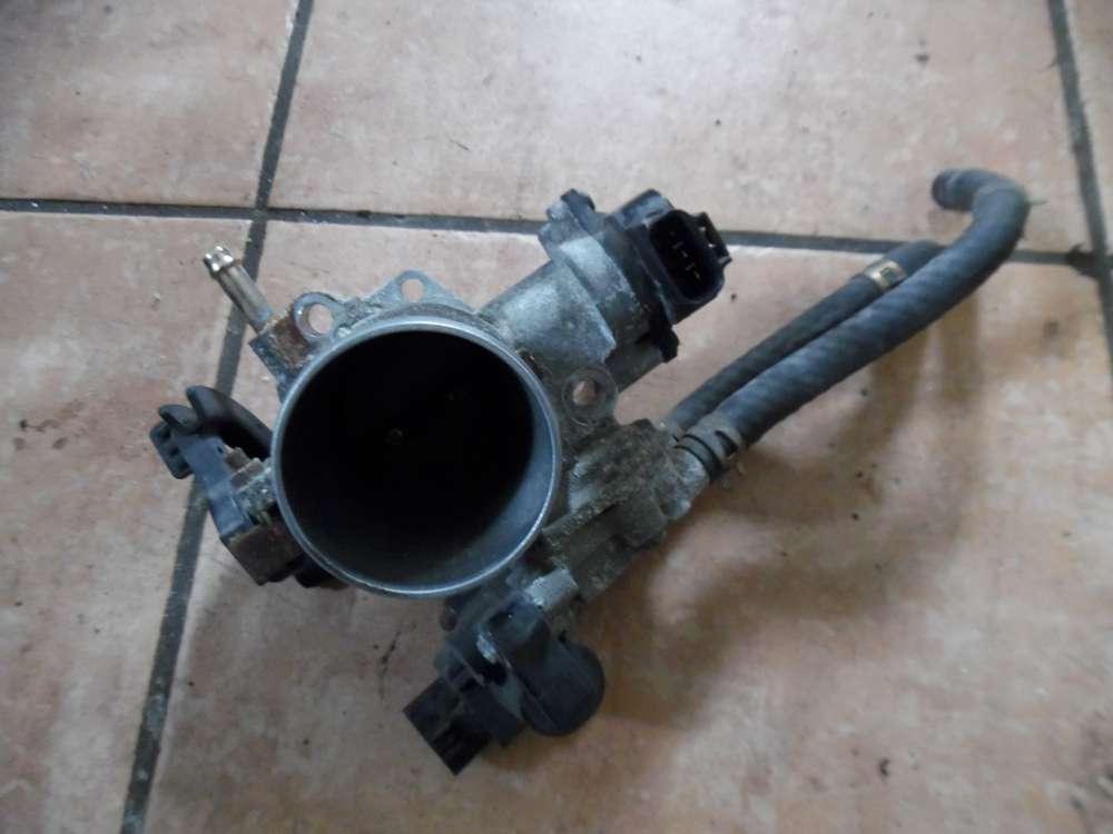 Toyota Yaris P1 1.5L Bj 2003 Drosselklappe 89452-20130  22270-21010