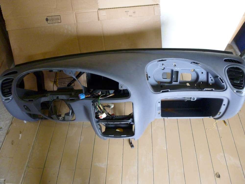 Ford Focus Bj:1997 Armaturenbrett Cockpit Beifahrerairbag 96FGA044C52/96FGA018W5