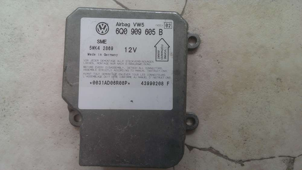 VW Passat Bj.2000 Airbagsteuergerät Steuergerät Airbag 6Q0909605B / 5WK4 2869