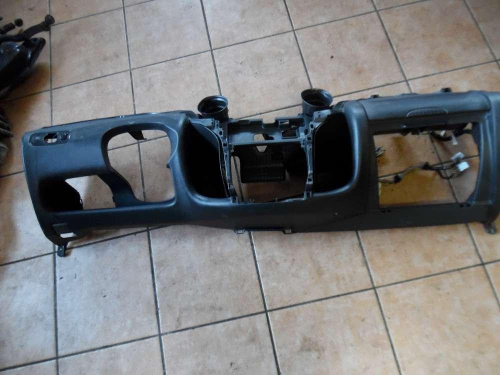 Toyota Yaris P1 Armaturenbrett Amaturenbrett Cockpit Verkleidung 55611-52010