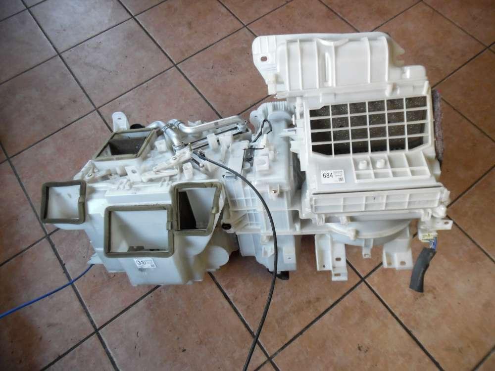 Toyota Yaris P1 Heizungskasten Gebläsekasten 87030-52171  87010-52330