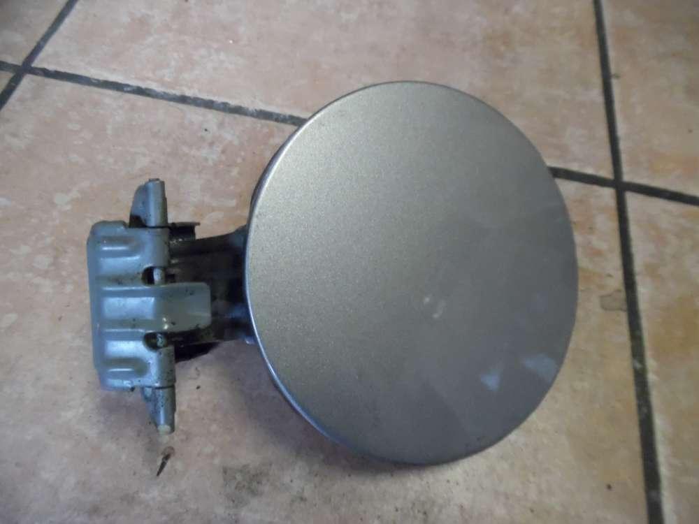 Toyota Yaris P1 Tankdeckel Gery Metallic Farbcod : 1D2