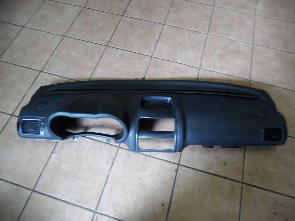Renault Clio II Armaturenbrett 8200069049