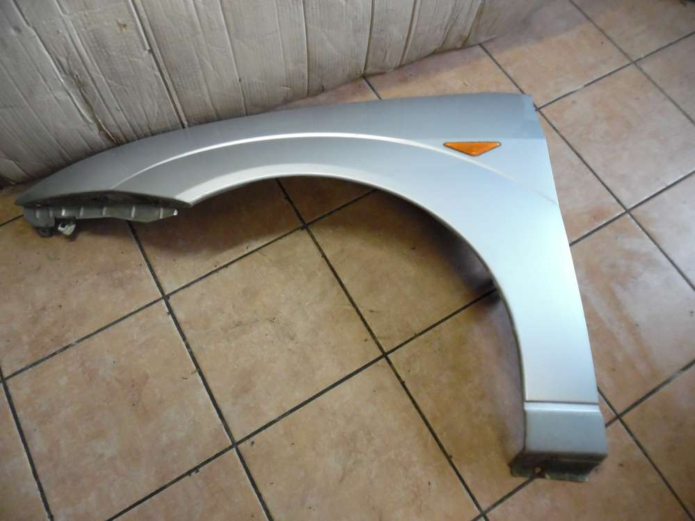 Ford Focus Kotflügel Vorne Links Silber Farbcode : 08