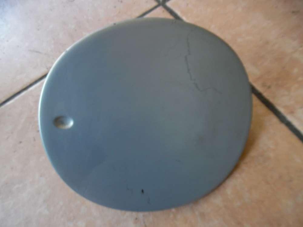 Fiat Stilo 192 Tankdeckel Tankklappe 735351606 grau / Grigio Farbcode : 823