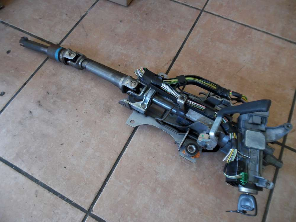 Ford Focus Lenksäule Zündschloss mit Schlüssel 868500G