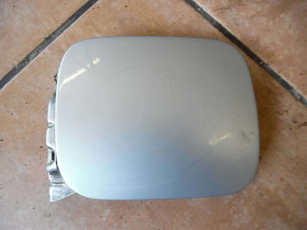 Audi A3 8L Tankklappe Tankdeckel  8L0010157 silber Farbcode : LY7W