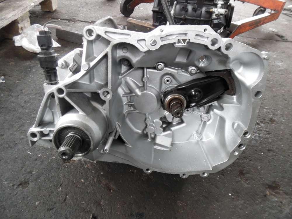 Dacia Sandero RO Getriebe Schaltgetriebe 5-Gang 76798KM D4F-F732 8200451676