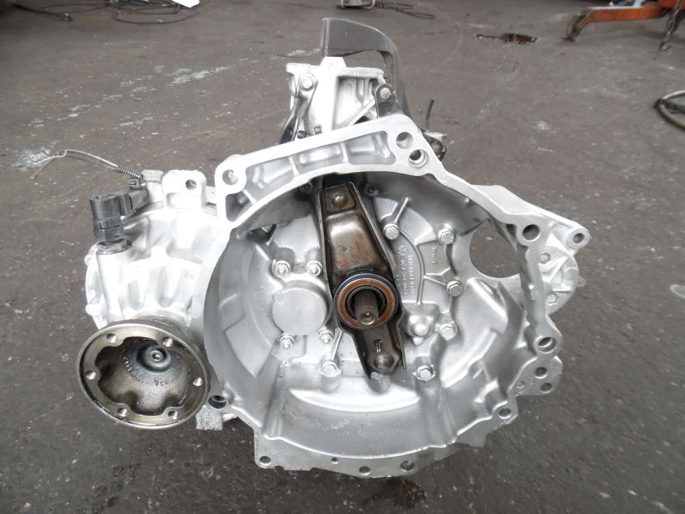Audi A3 8L 1,9TDI Getriebe Schaltgetriebe  5-Gang 296155KM 02J300051G