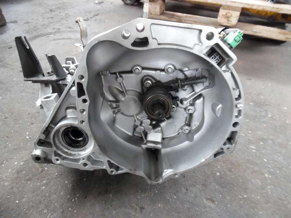 Nissan Micra K12 Getriebe Schaltgetriebe 140000KM 8200276017