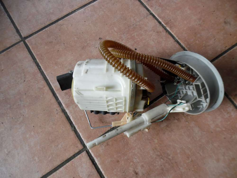 VW Golf 3 Kraftstoffpumpe Benzinpumpe 1H0919051AK