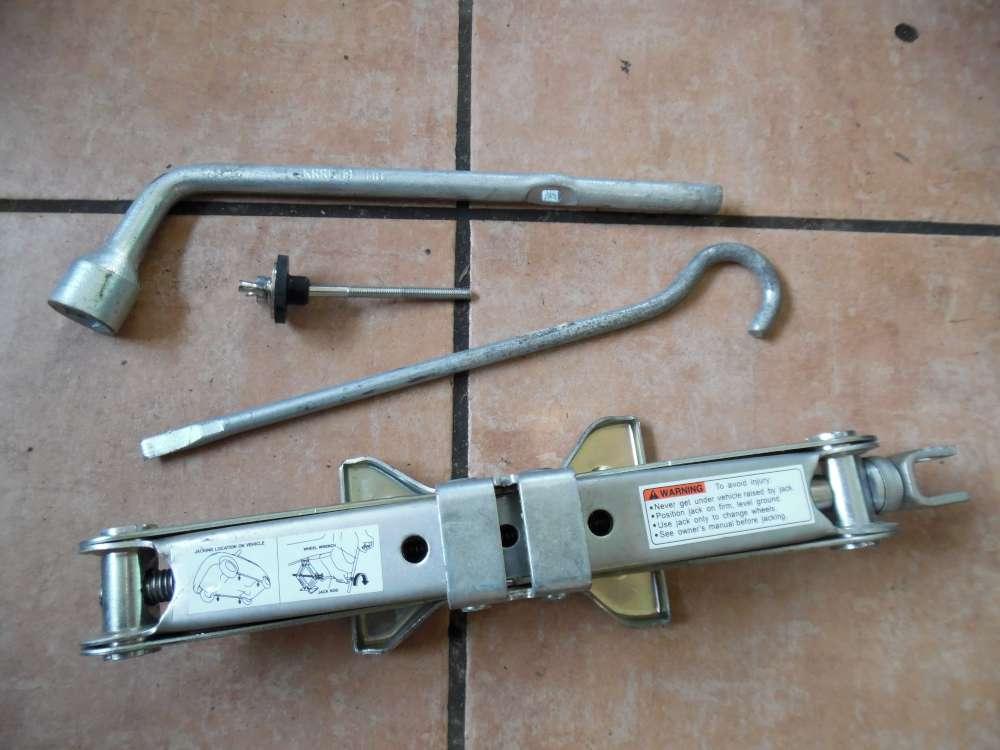 Nissan Pixo Wagenheberset 89910M68K00/ 09827M00004