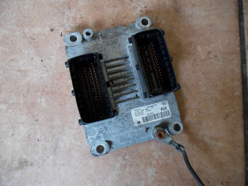 Opel Corsa D Steuergerät Motor 55557933 / 0261208940