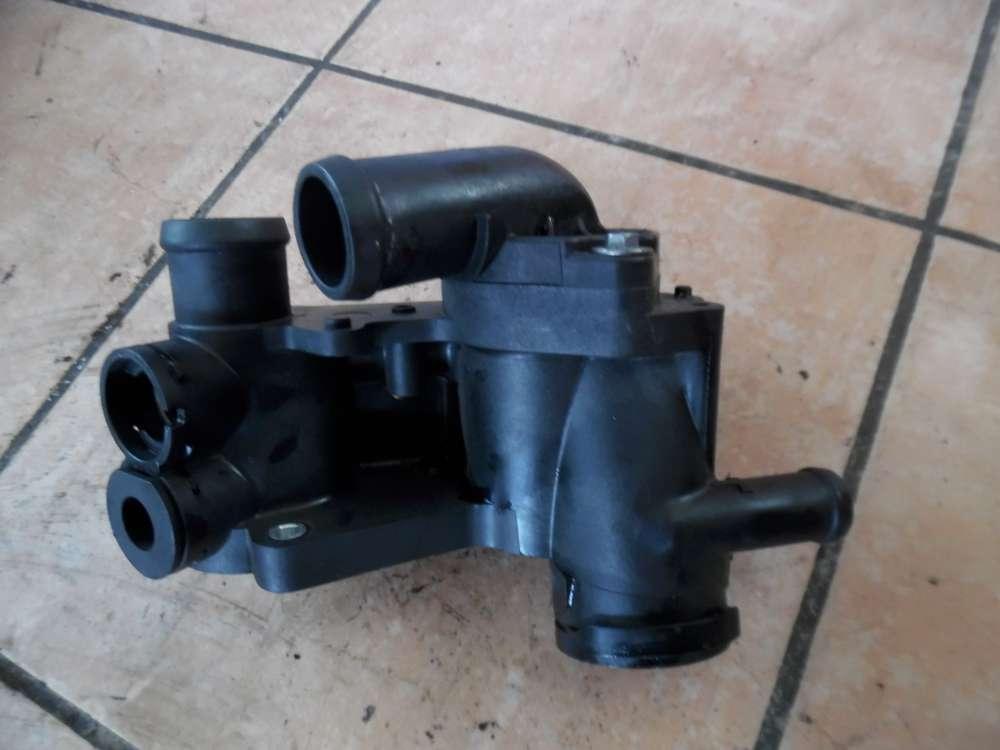 Skoda Fabia II Thermostatgehäuse 032121111