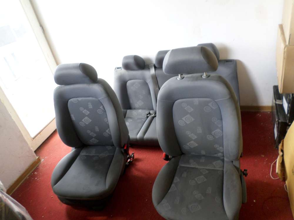 SEAT Leon Sitze Komplett Fahrersitz&VR&Rücksitz 4/5-Türer Bj.2001