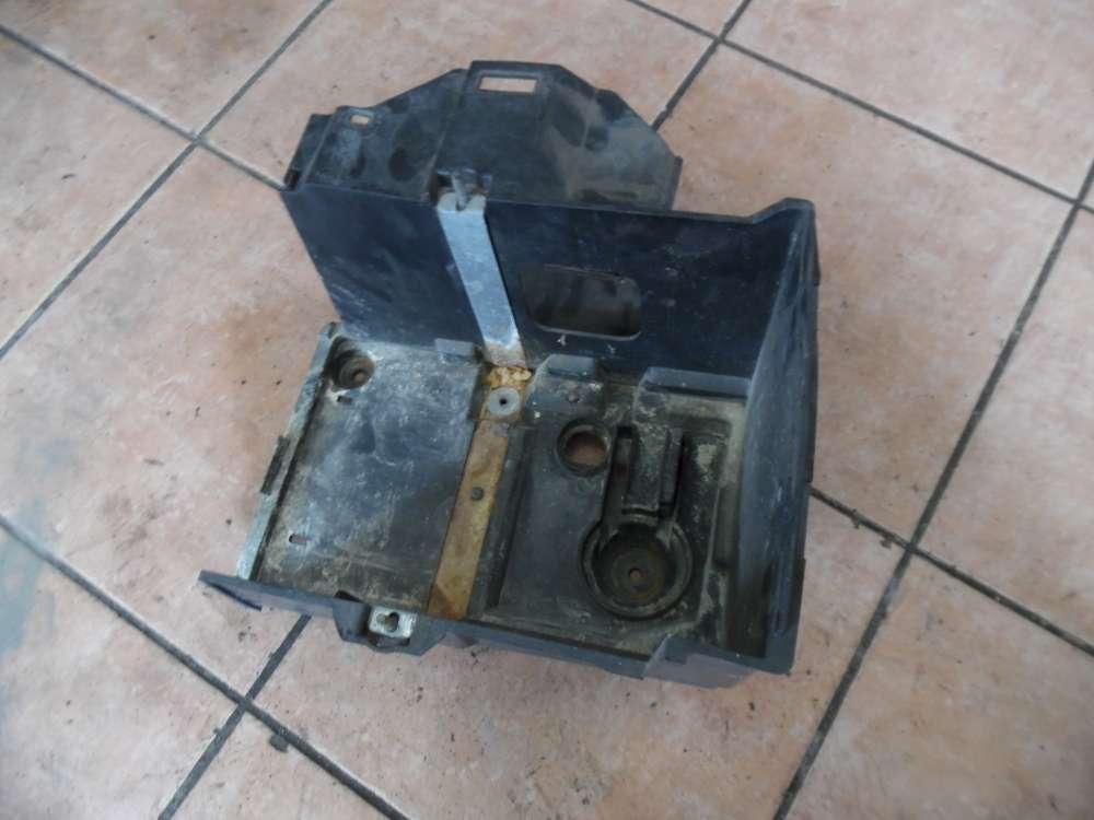 Ford Focus II Batteriekasten 4M51-10723