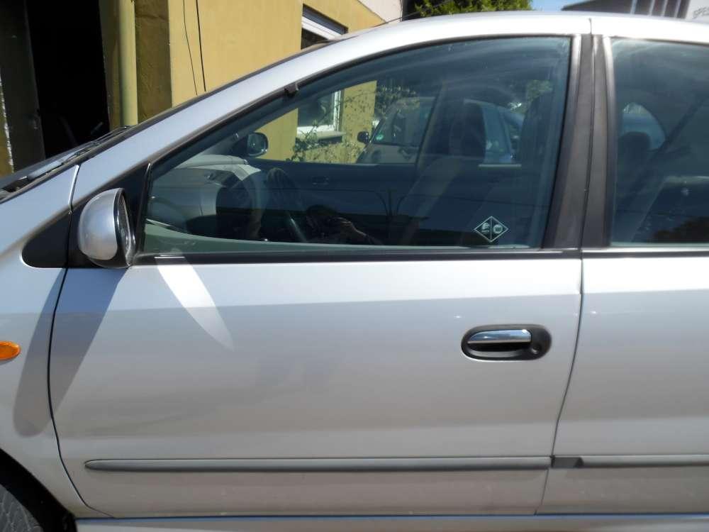 Nissan Almera Tino Tür Vorne Links silber Farbcod : KL0