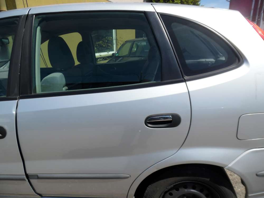 Nissan Almera Tino Tür Hinten Links silber Farbcod : KL0