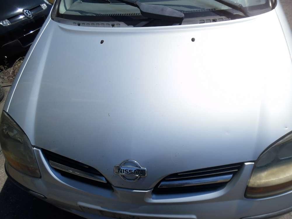 Nissan Almera Tino Motorhaube silber Farbcod : KL0