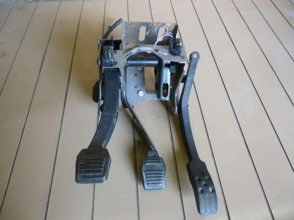 Ford Ka Bj.1997 Bremspedal Pedal Bremse Kupplung Pedalblock