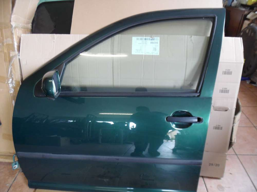 VW Golf  IV Tür Vorne Links grün metallic Farbcod: LC6M