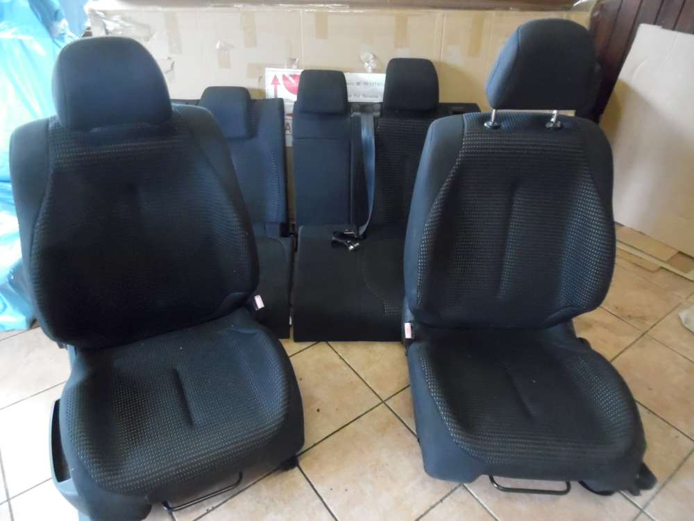 Citroën C4 Sitze Innenausstattung Stoff Schwarz