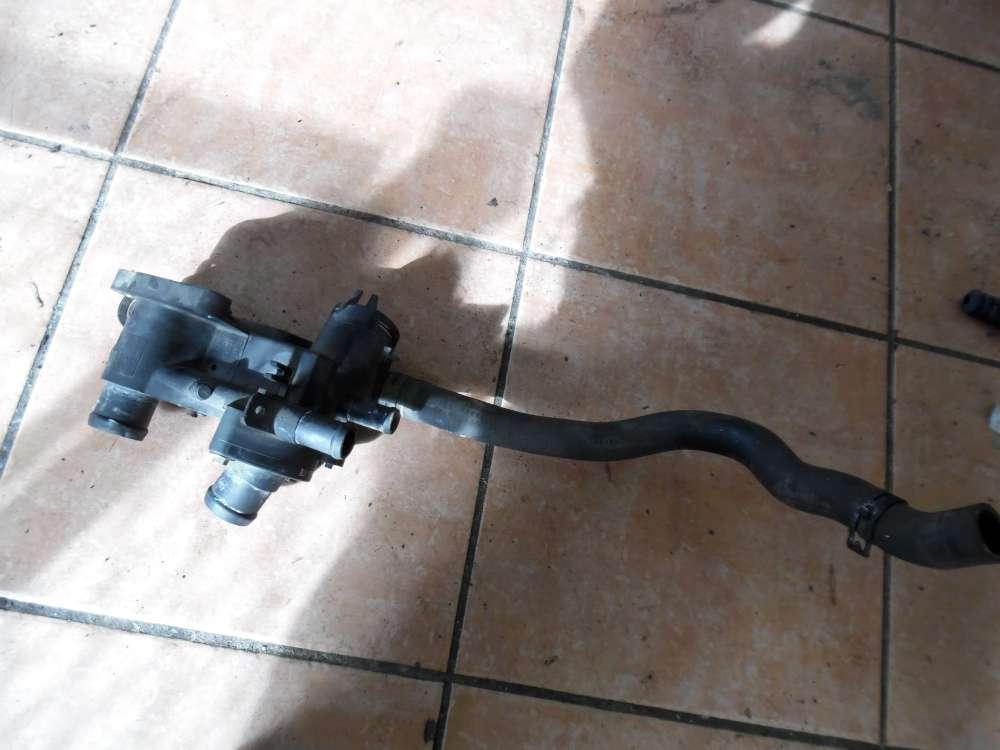 VW Golf IV 1J Thermostatgehäuse mit Schlauch 032121111 1J0122073