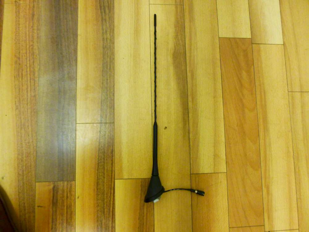 Skoda Fabia 6Y2 Bj:2002 Antenne Dachantenne mit Antennenfuß 6U0035505