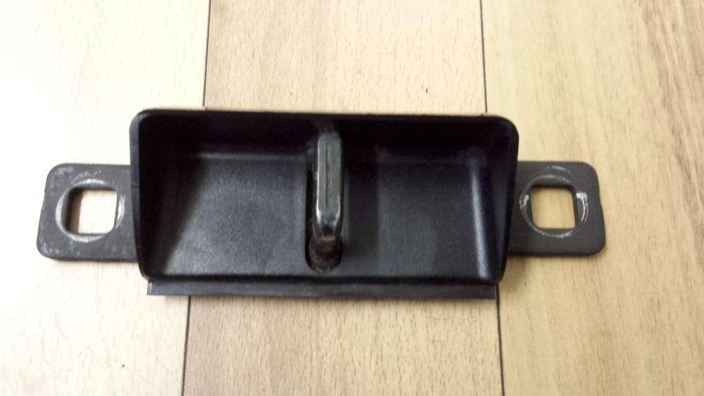 Audi A4 Bj1998 Immobilien Rück Boot-Lock-Schließblech   8D9827563A
