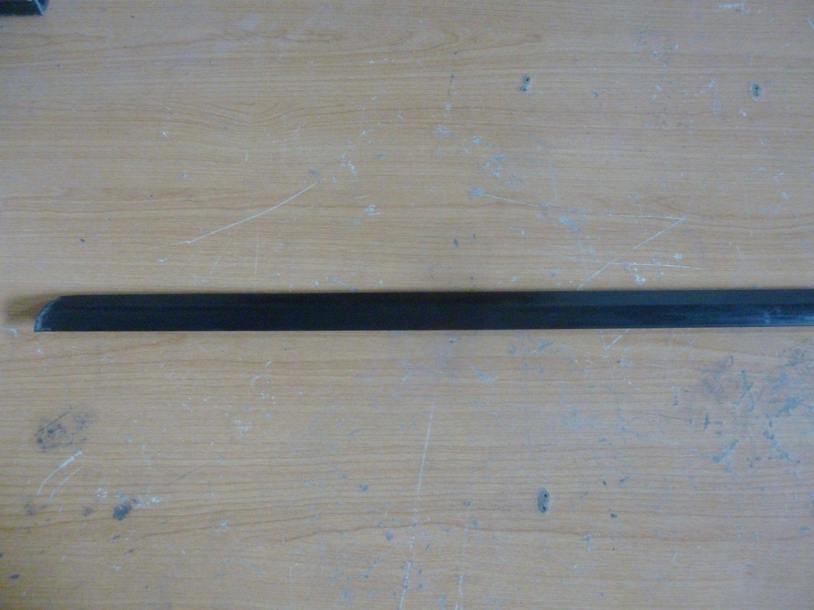 Seat Leon Bj.2001 Zierleiste Schachtabdichtung Vorne Links außen 1M0837477