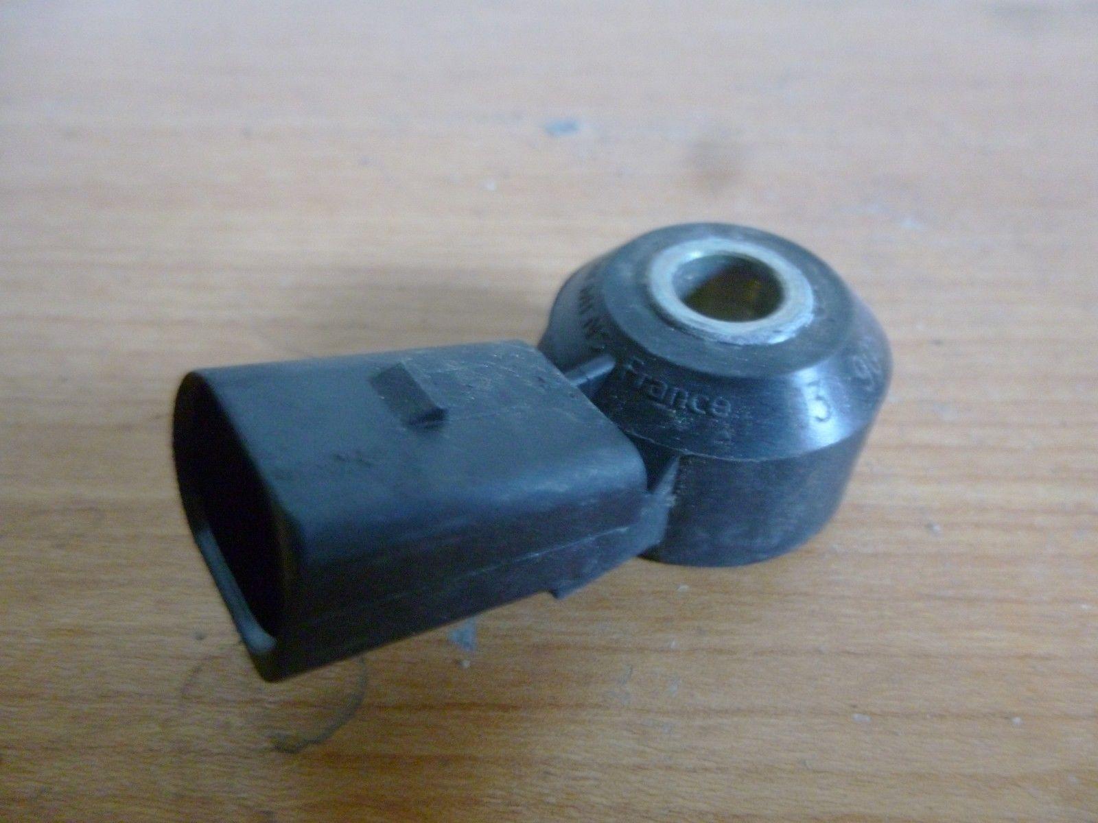 VW Touran Bj:2004 Klopf sensor 030905770