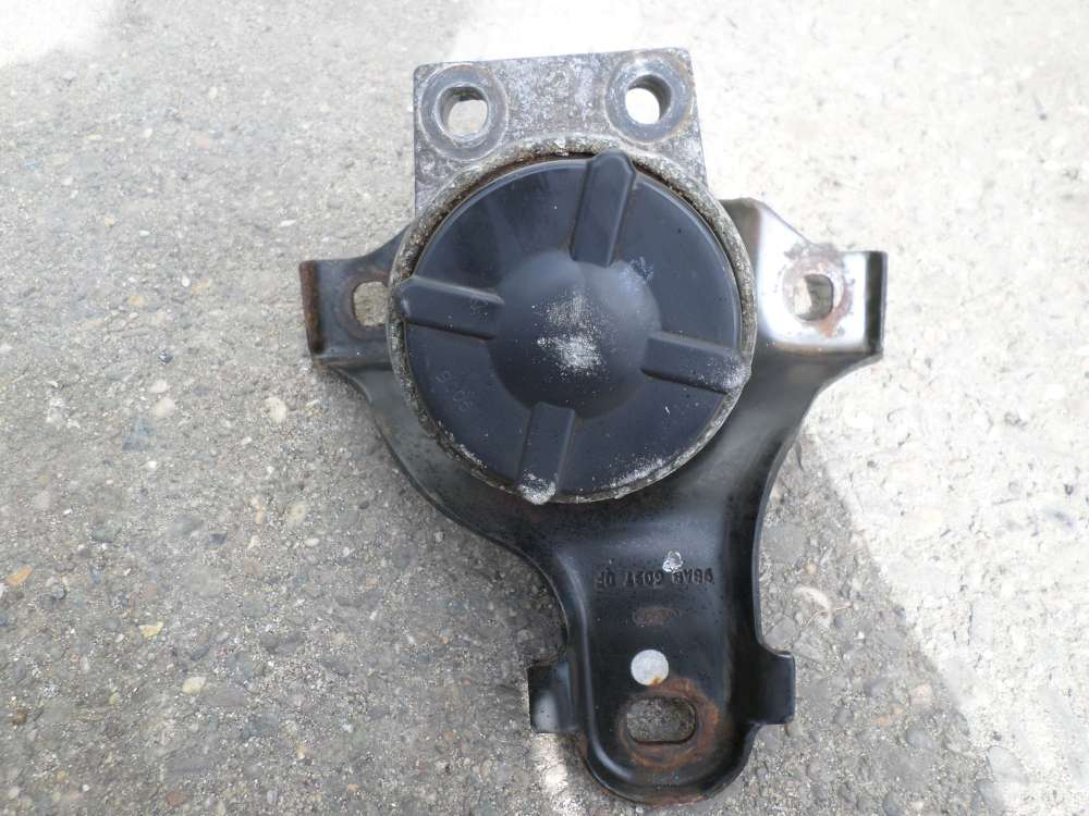 Ford Focus 1,8 Motorhalter 98AB6037