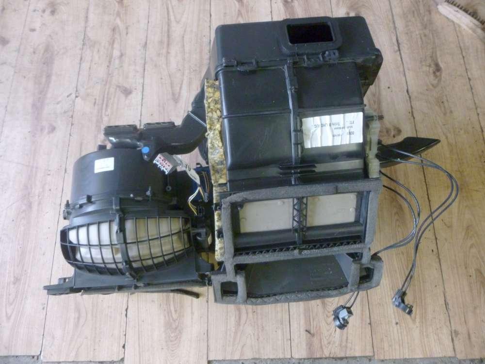 Ford Focus Luftkasten für Heizung Klima XS4H19B555 AAA / XS4H-18592-A  Luftfilterkasten für Heizung und Klima  mit Stellmotor