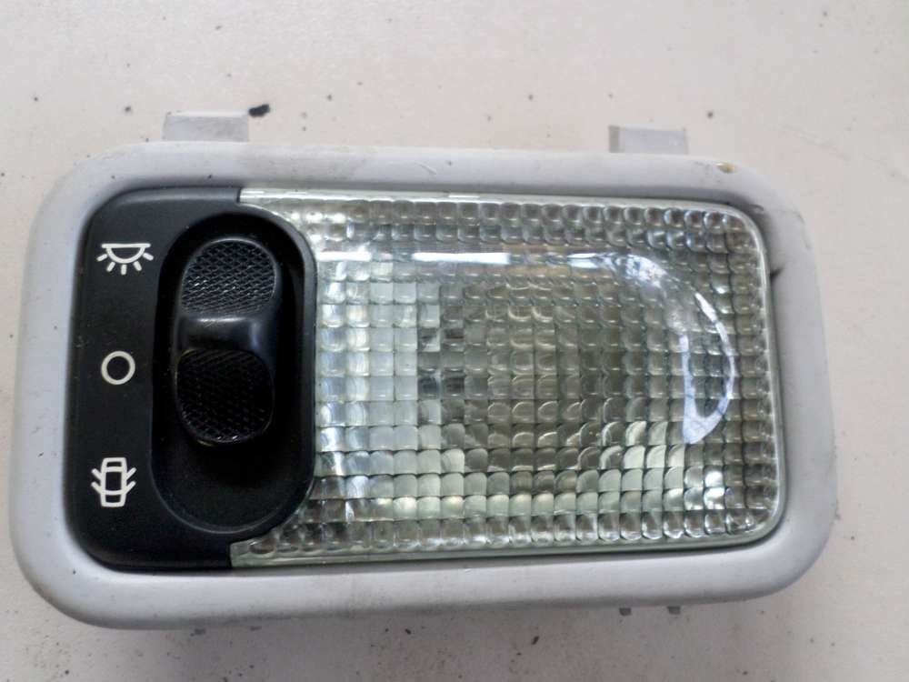 Peugeot Partner Bj.2001 Innenleuchte Innenbeleuchtung hinten 9610095677