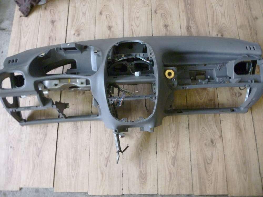 Peugeot 206 Bj:1998 Armaturenbrett 9635966477
