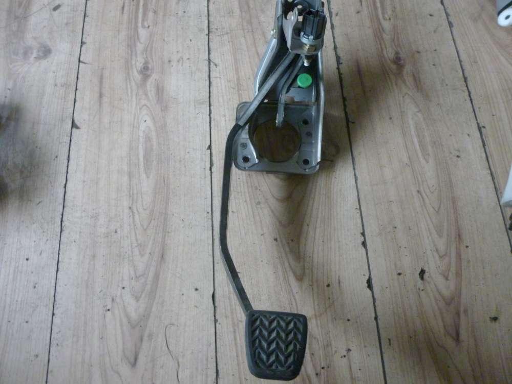 TOYOTA Yaris Verso Bj:2001 Bremspedal Pedal Bremse